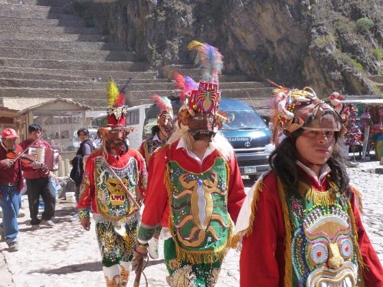 parade ollantaytambo Peru